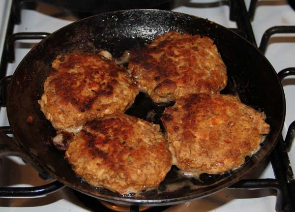 croquettes frying