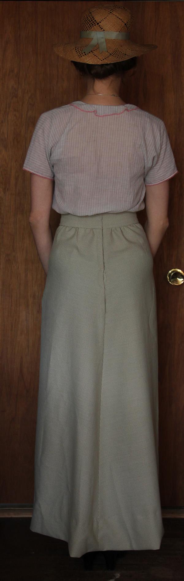 1913 skirt back